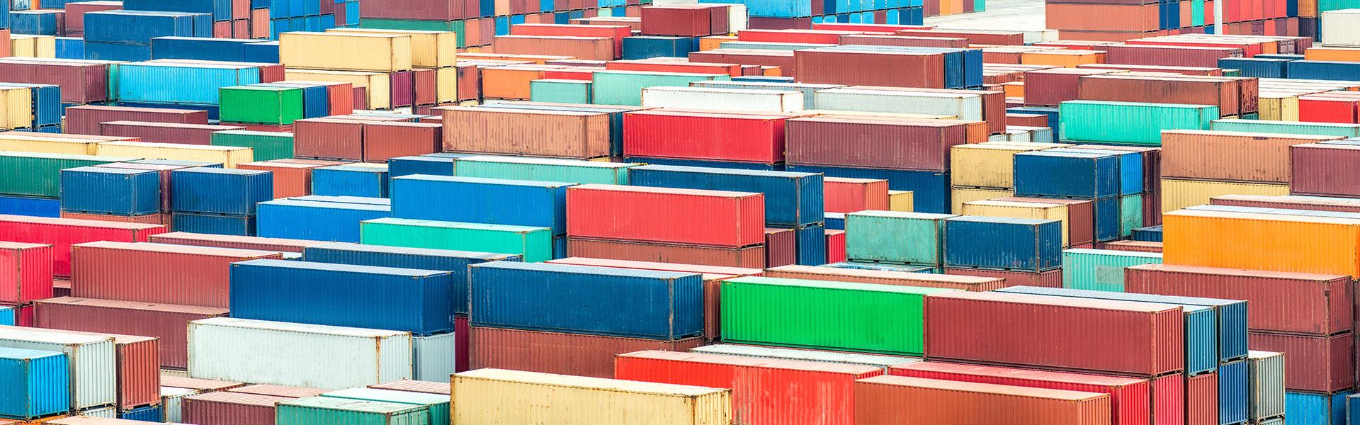 Viele bunte Container